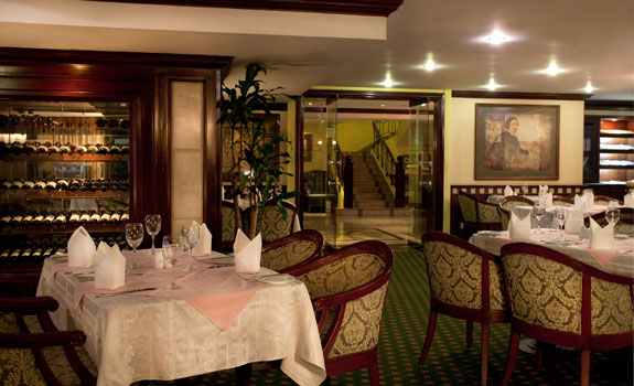 Sedona Suites Ho Chi Minh City  - Dining