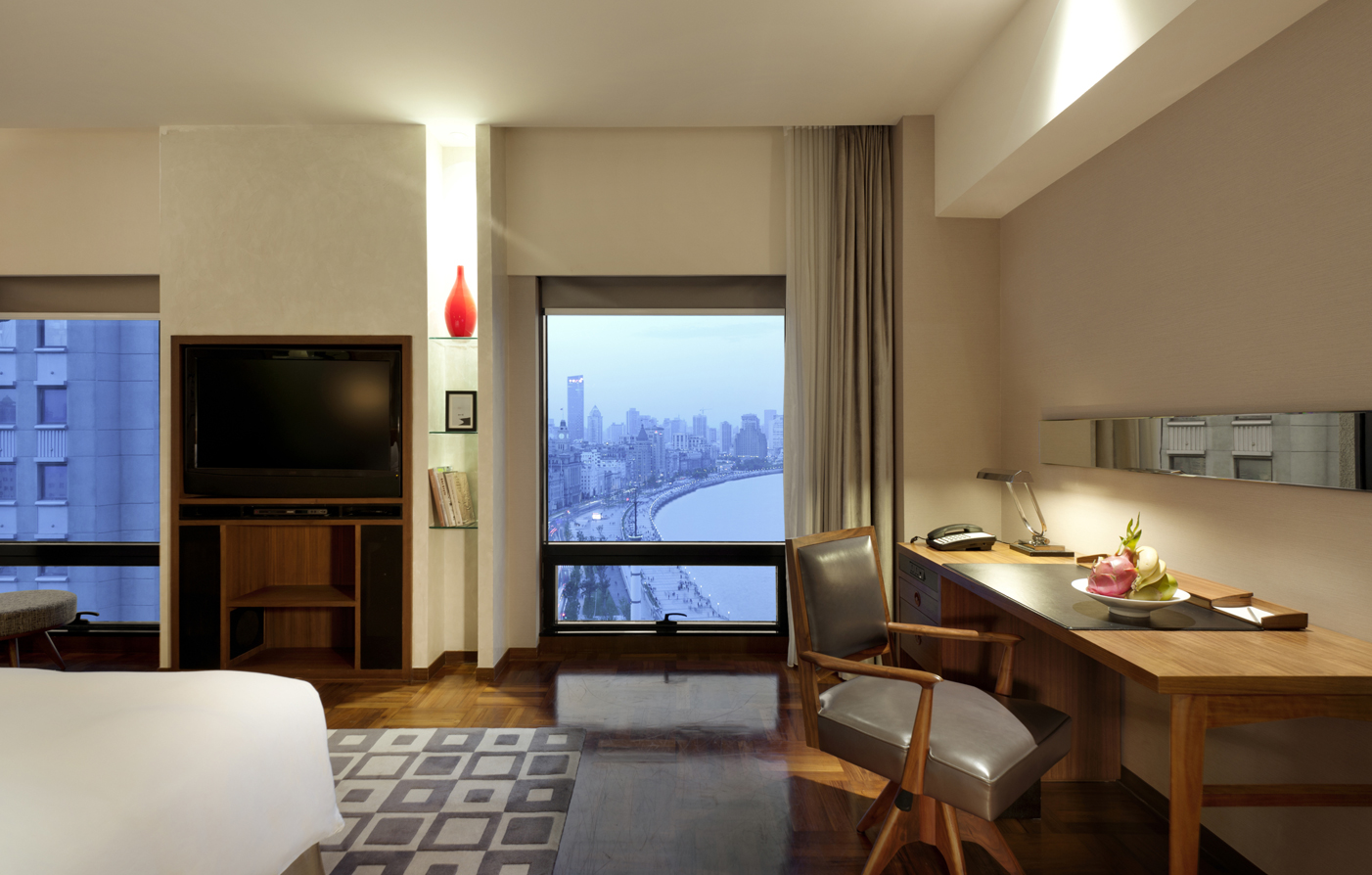 Accommodations:      Les Suites Orient  in Shanghai