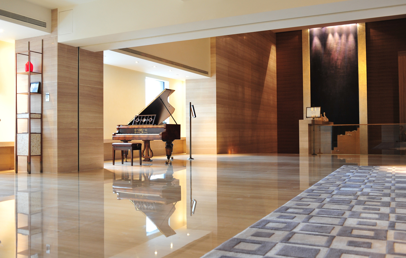 Special Offers:      Les Suites Orient  in Shanghai