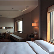 Book a stay with Les Suites Orient in Shanghai