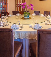 Dining at      Mansion Hotel  in Shanghai