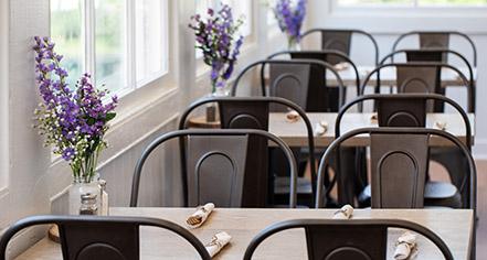 Dining at      Blackburn Inn  in Staunton