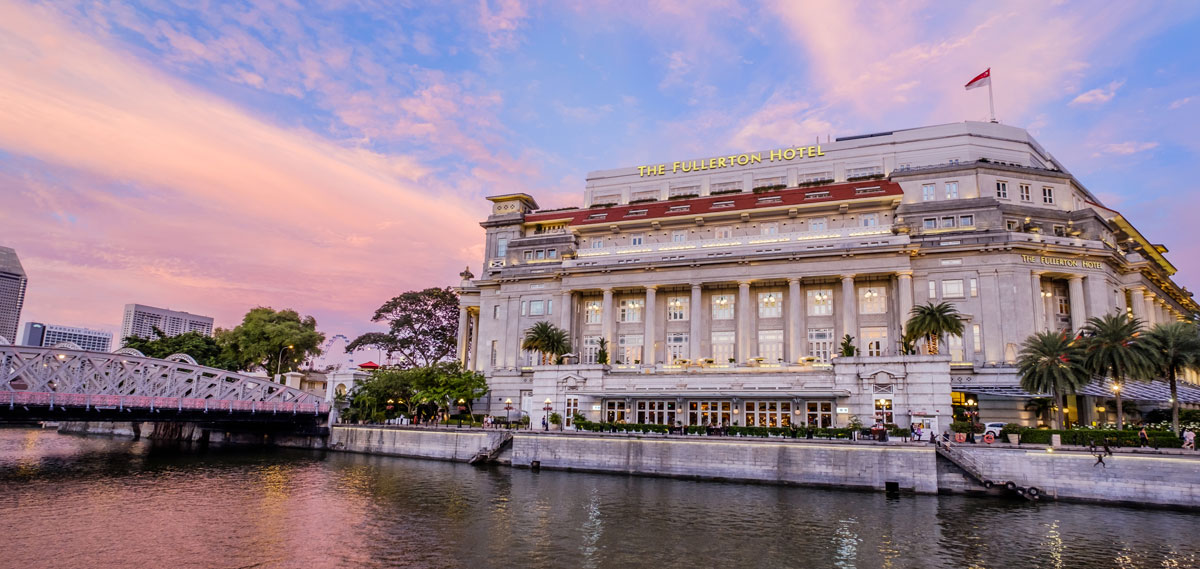 Fullerton Hotel Singapore Exterior at Sunset