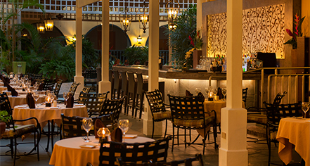 Dining at      El Convento Hotel  in San Juan