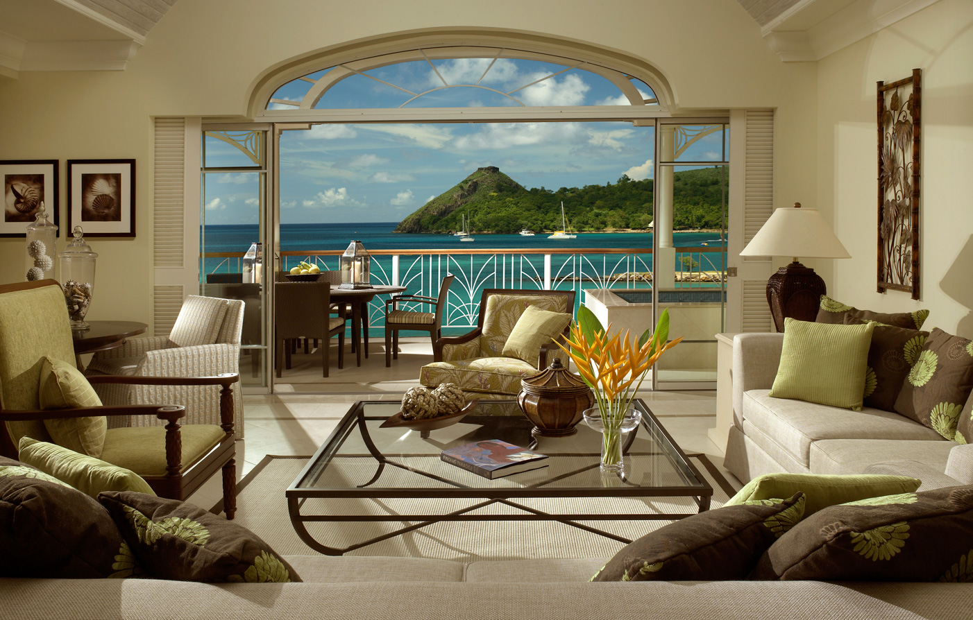 Special Offers:      The Landings St. Lucia  in Castries