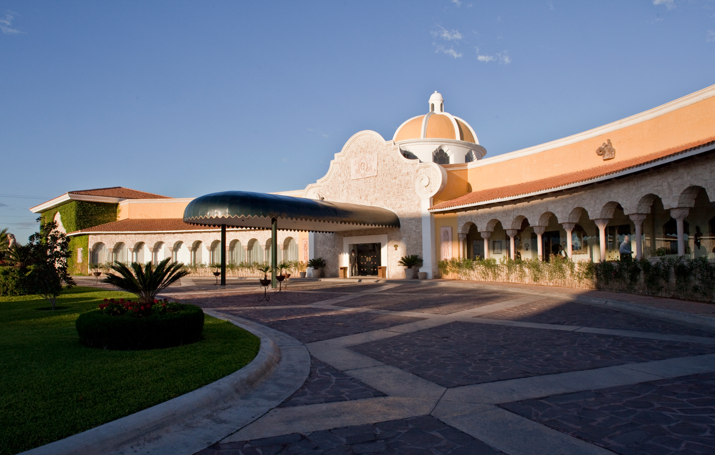 Accommodations:      Quinta Real Saltillo  in Saltillo