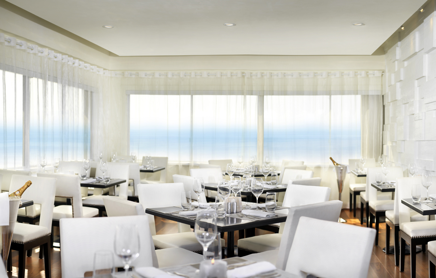 Dining:      Huntley Santa Monica Beach  in Santa Monica