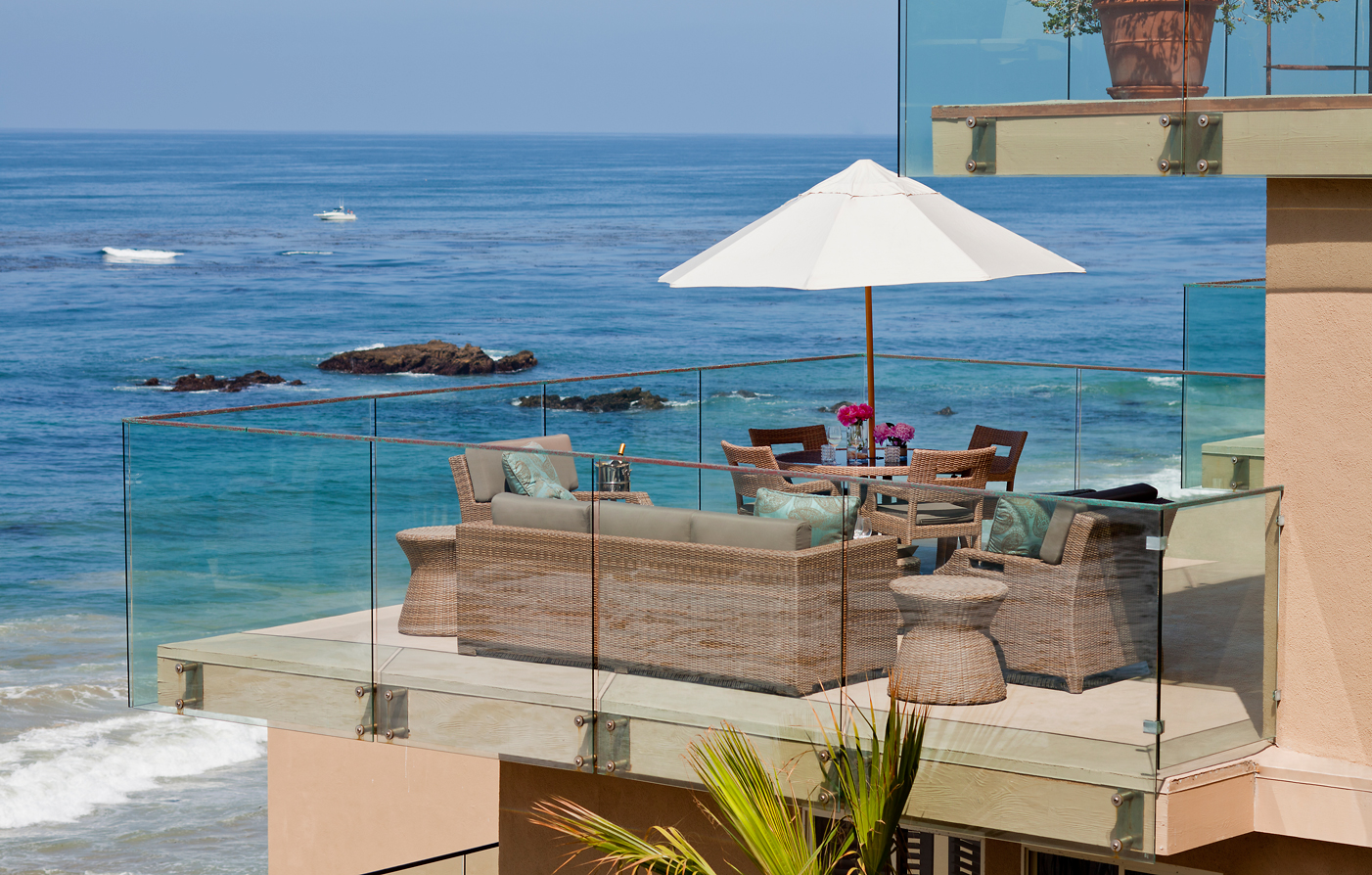 Special Offers:      Surf & Sand Resort  in Laguna Beach