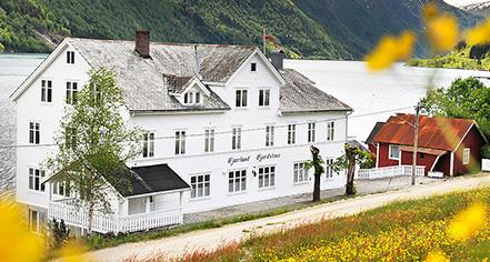Fjaerland Fjordstove Hotel & Restaurant  in Fjærland