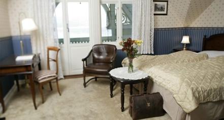 Accommodations:      Kviknes Hotel  in Balestrand