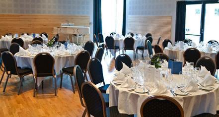 Dining at      Kviknes Hotel  in Balestrand