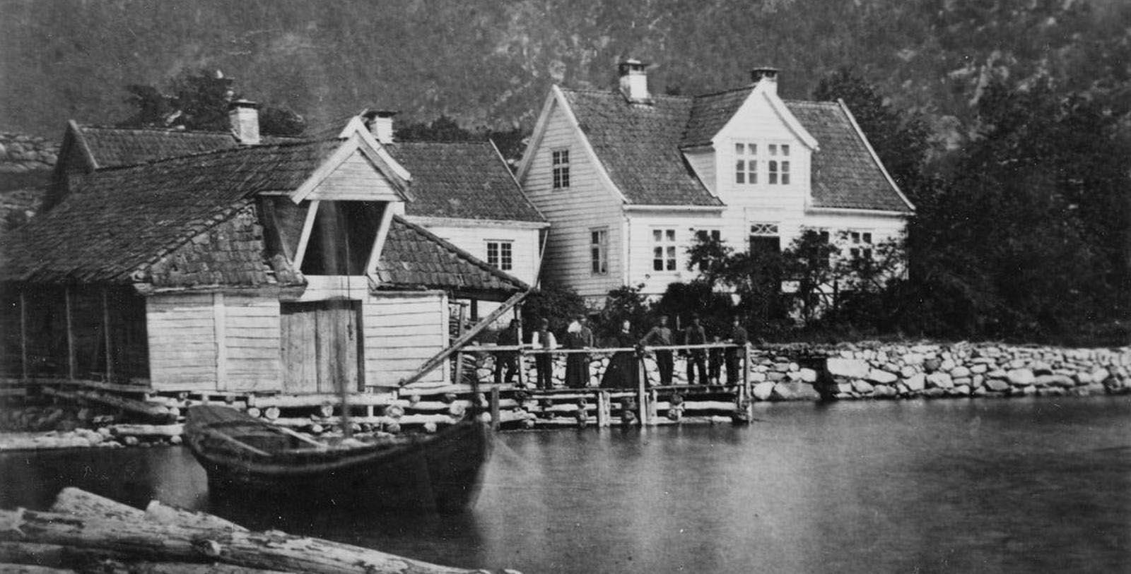 Historic Image of Hotel Exterior Kviknes Hotel, 1752, Member of Historic Hotels Worldwide, in Balestrand, Norway, Discover