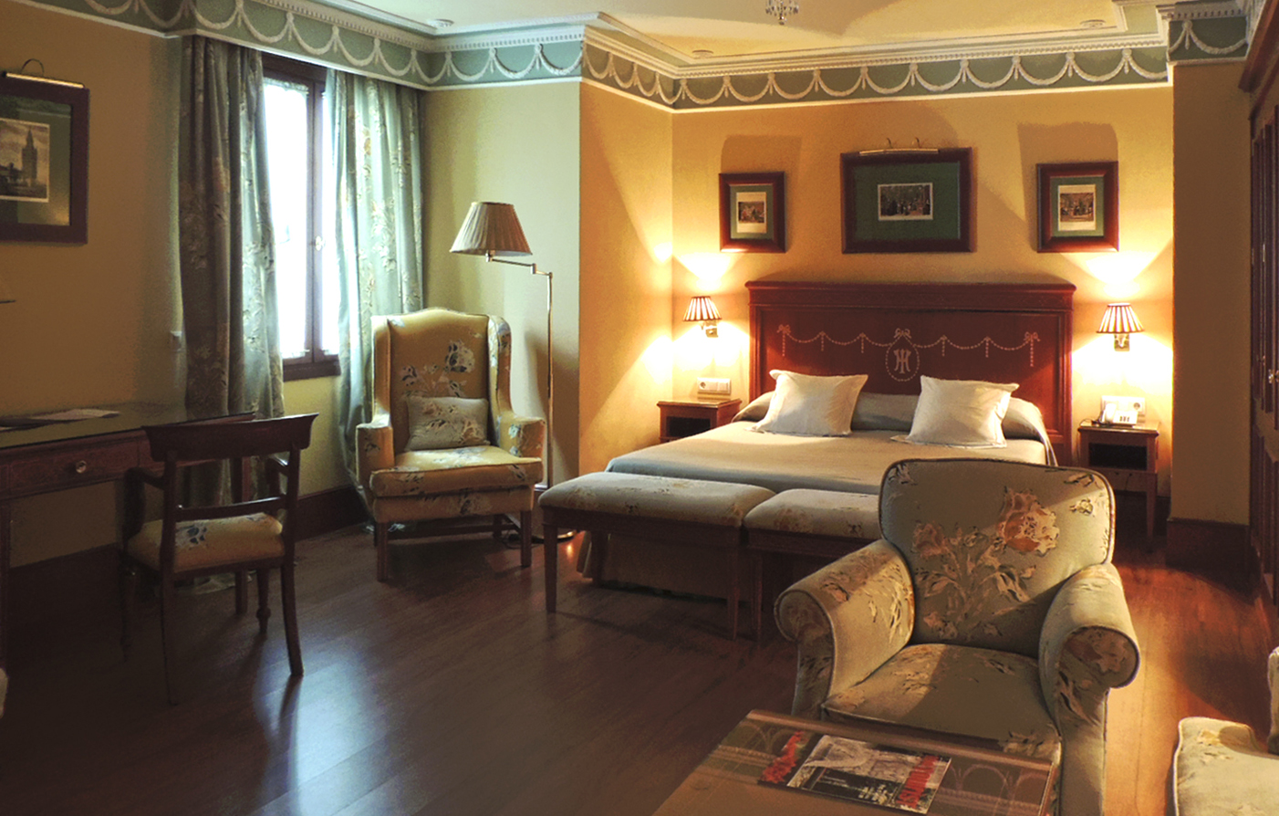 Accommodations:      Hotel Inglaterra  in Seville