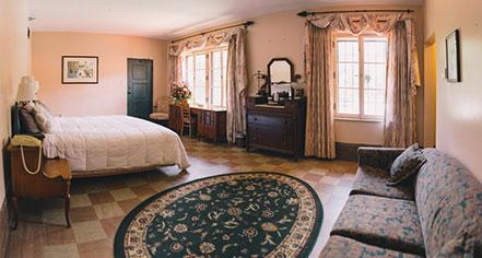 Accommodations:      The Lodge at Wakulla Springs  in Wakulla Springs