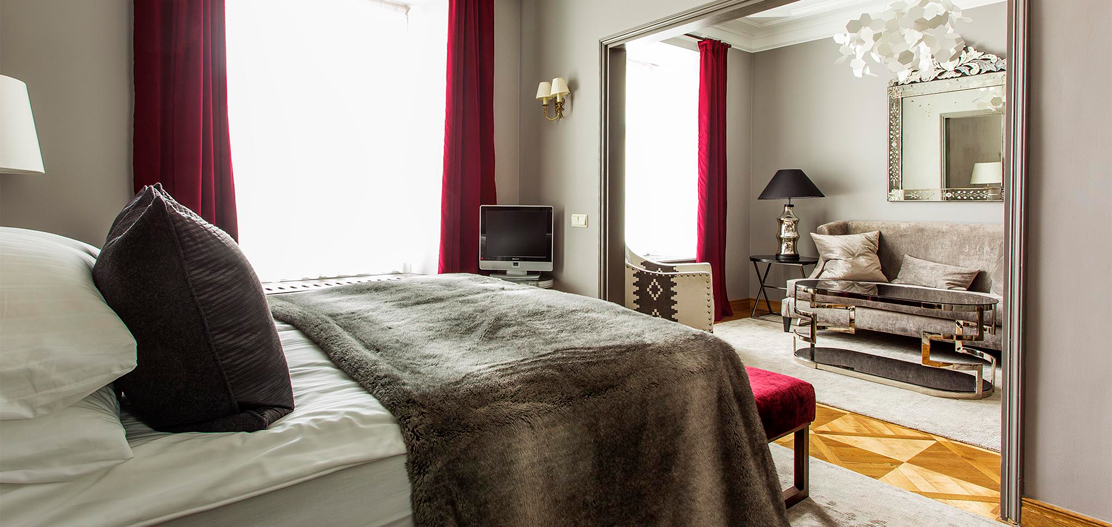 Accommodations:      Hotel St. Petersbourg  in Tallinn