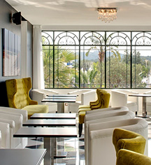 Dining at      Grand Hotel des Sablettes Plage, Curio Collection by Hilton  in La Seyne-sur-Mer