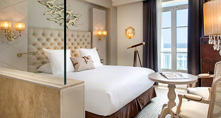 Accommodations:      Grand Hotel des Sablettes Plage, Curio Collection by Hilton  in La Seyne-sur-Mer