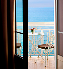 Grand Hotel des Sablettes Plage, Curio Collection by Hilton  in La Seyne-sur-Mer