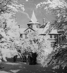History:      Bårdshaug Herregård  in Orkanger
