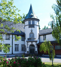 Bårdshaug Herregård in Orkanger