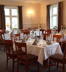 Dining at      Selbusjoen Hotel & Gjestegard  in Selbu