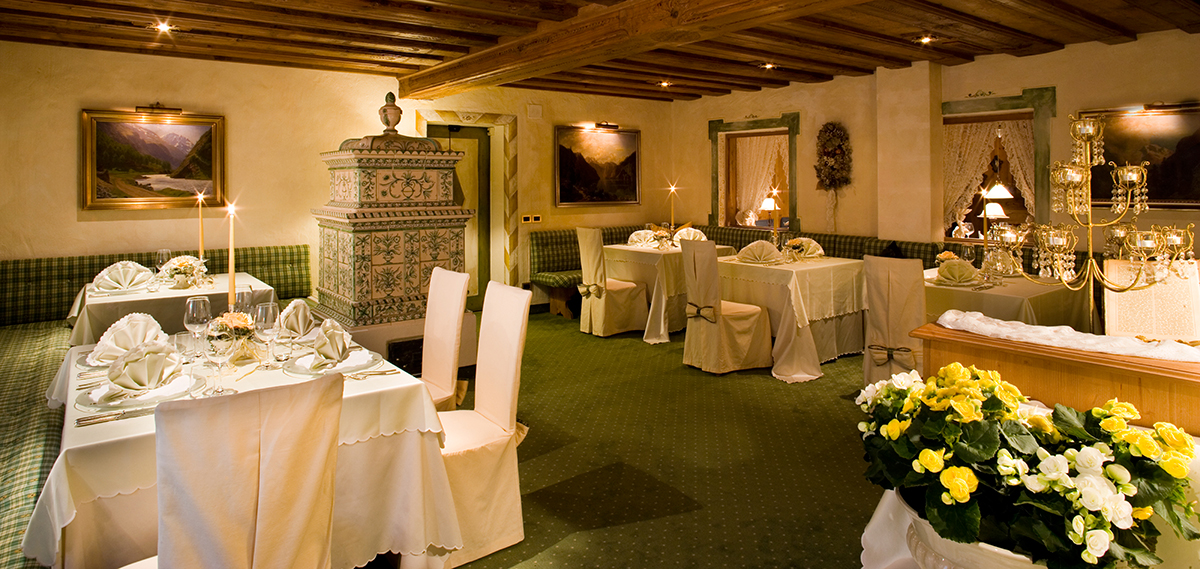 Dining:      Hotel Sassongher  in Corvara