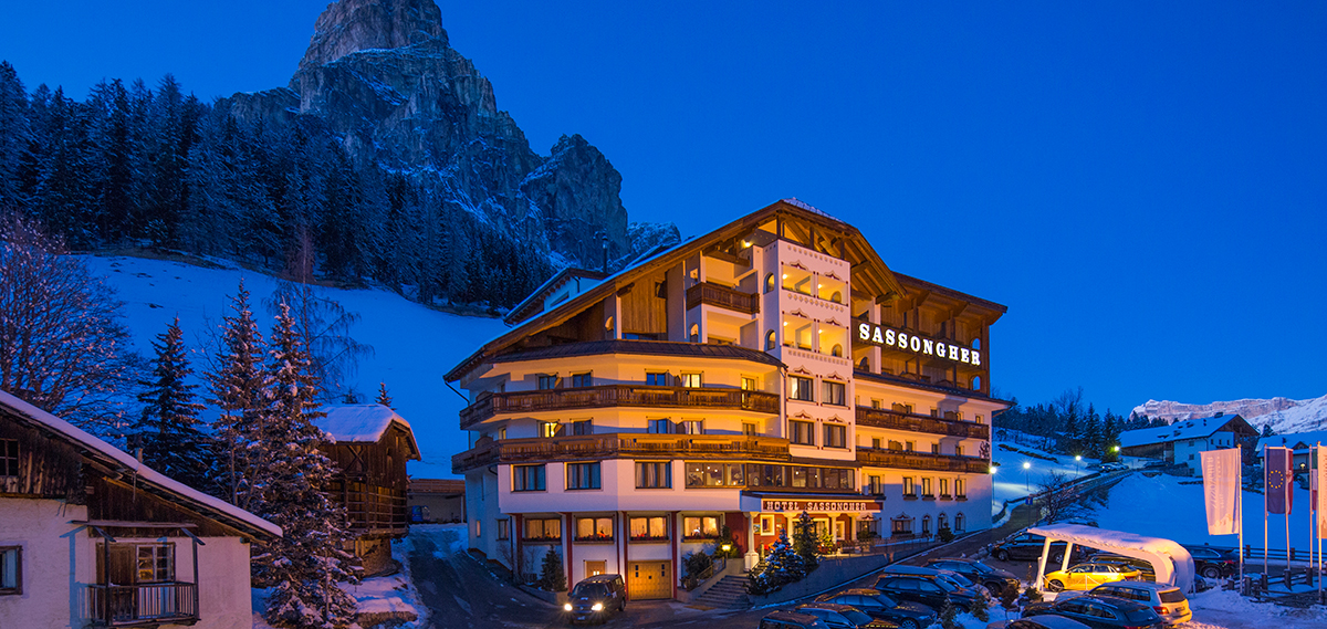 Special Offers:      Hotel Sassongher  in Corvara
