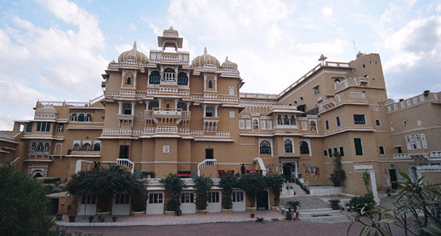 Deogarh Mahal in Deogarh Madaria