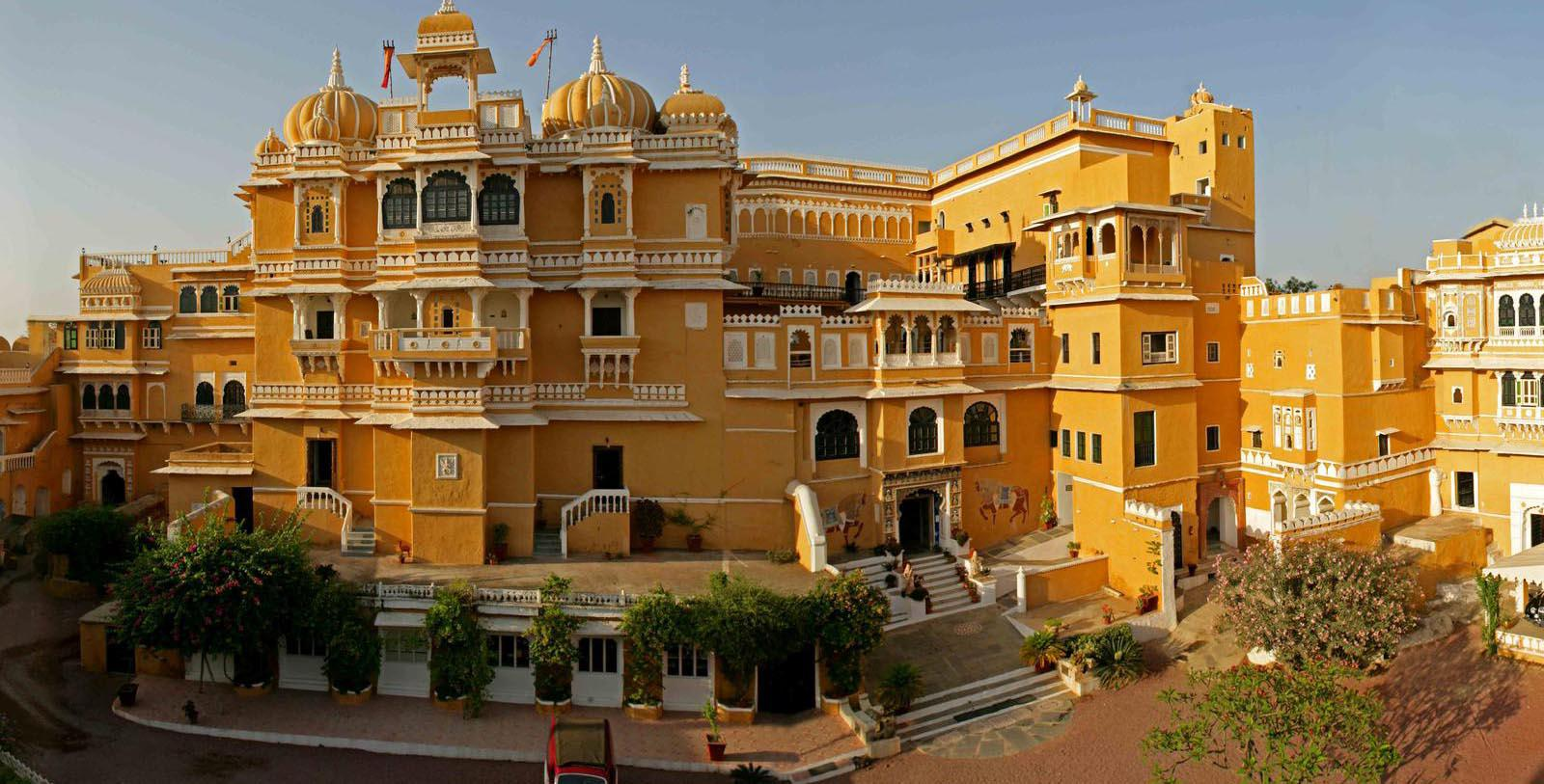 Image of hotel exterior Deogarh Mahal, 1670, Member of Historic Hotels Worldwide, in Deogarh, India, Special Offers, Discounted Rates, Families, Romantic Escape, Honeymoons, Anniversaries, Reunions