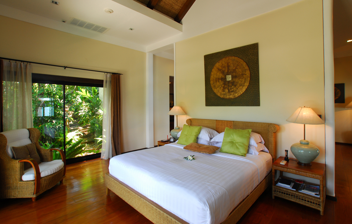 Accommodations:      The Tongsai Bay  in Koh Samui, Surat Thani