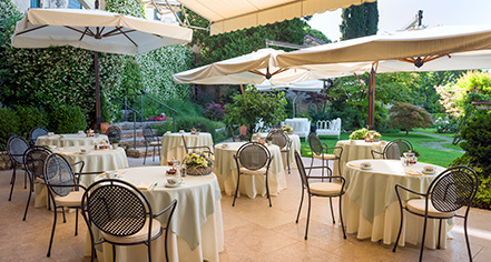 Dining at      Hotel Villa Cipriani  in Asolo