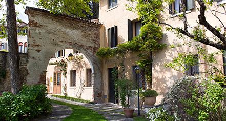 History:      Hotel Villa Cipriani  in Asolo