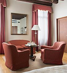 Accommodations:      Hotel Villa Cipriani  in Asolo