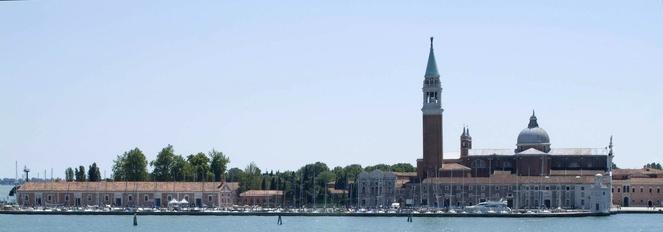 Activities:      Metropole Hotel  in Venice