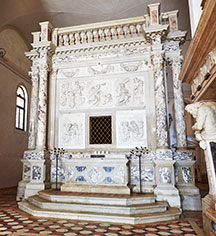 Weddings:      San Clemente Palace Kempinski  in Venice