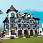 Book a stay with The Pearl in Rosemary Beach