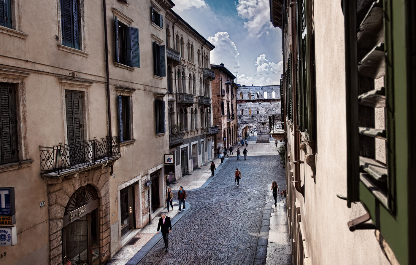 Special Offers:      Palazzo Victoria  in Verona