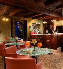 Dining at      Villa del Quar  in Verona