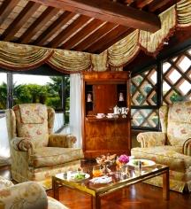 Accommodations:      Villa del Quar  in Verona