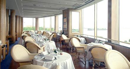 Dining at      Hotel New Grand  in Yokohama