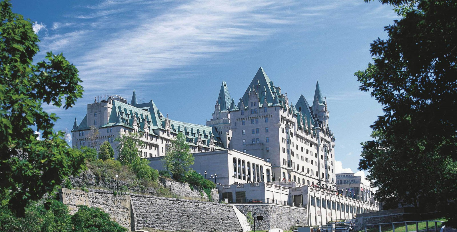 Image of hotel exterior Fairmont Château Laurier, 1912, Member of Historic Hotels Worldwide, in Ottowa, Canada, Special Offers, Discounted Rates, Families, Romantic Escape, Honeymoons, Anniversaries, Reunions