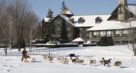 Local Attractions:      Fairmont Le Château Montebello  in Montebello