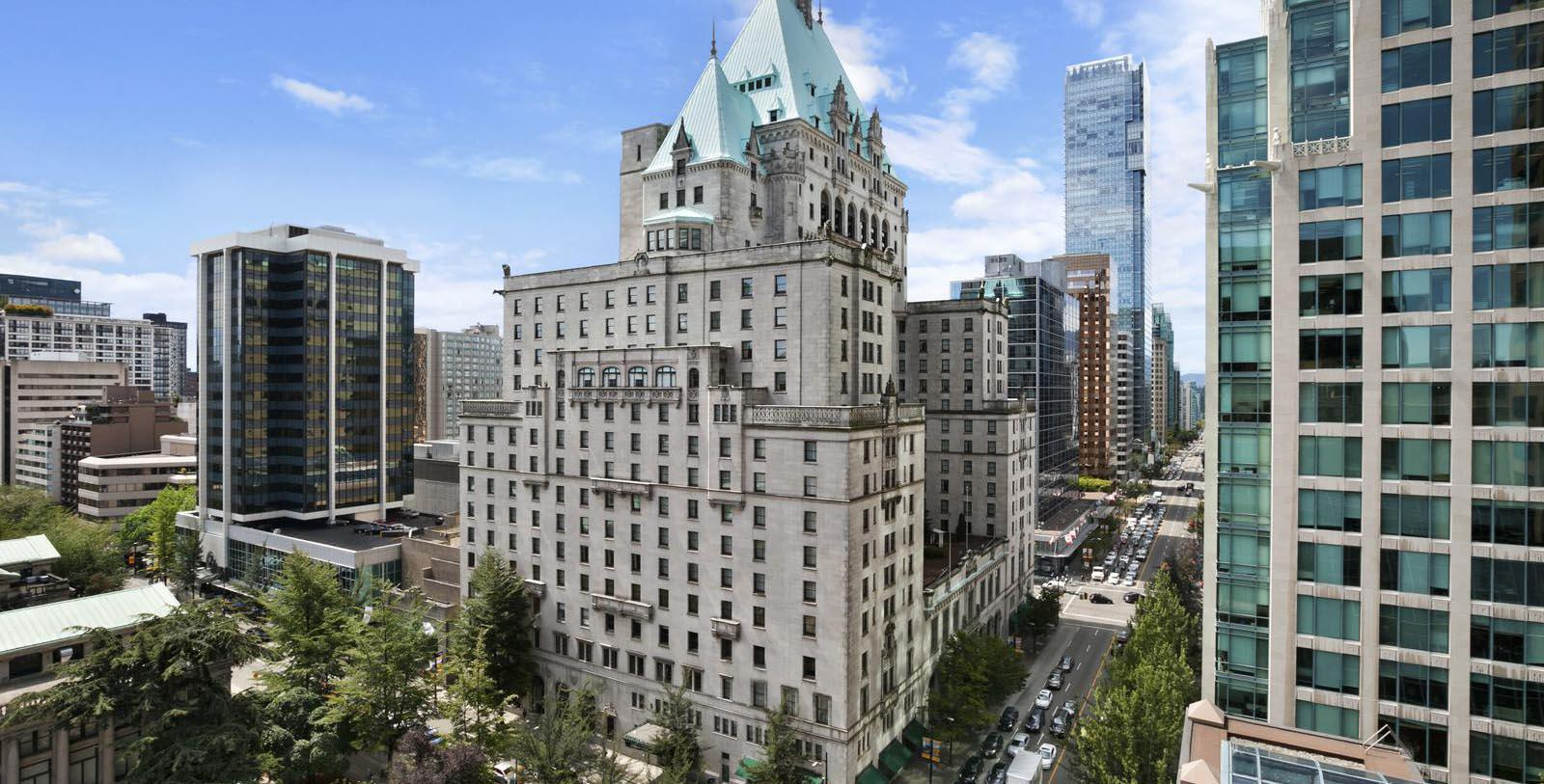 Image of hotel exterior Fairmont Hotel Vancouver, 1939, Member of Historic Hotels Worldwide, in Vancouver, Canada, Special Offers, Discounted Rates, Families, Romantic Escape, Honeymoons, Anniversaries, Reunions