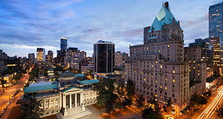 Local Attractions:      Fairmont Hotel Vancouver  in Vancouver
