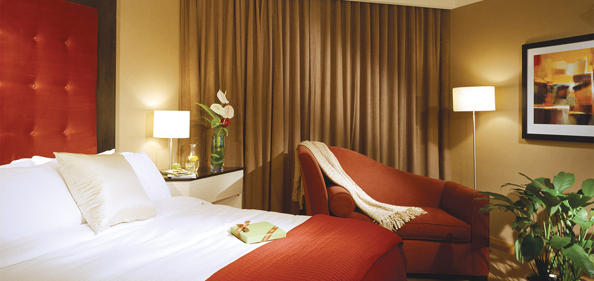 Accommodations:      Metropolitan Hotel Vancouver  in Vancouver