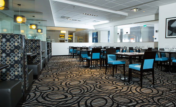The Grand Winnipeg Airport Hotel by Lakeview  - Dining