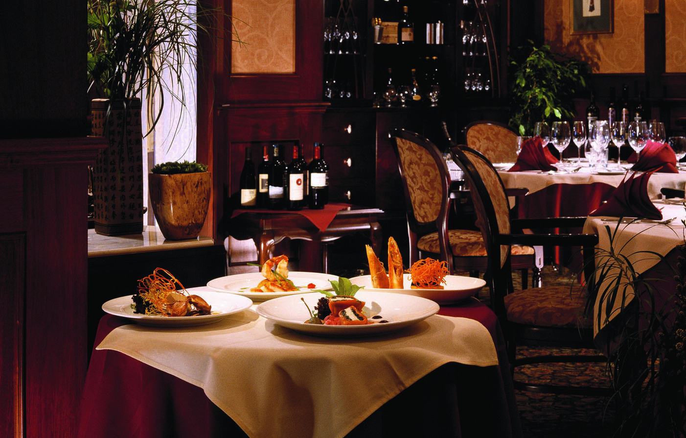 Dining:      Hotel Grand Pacific  in Victoria