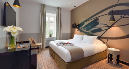 Accommodations:      Hôtel & Spa Jules César Arles – MGallery by Sofitel  in Arles