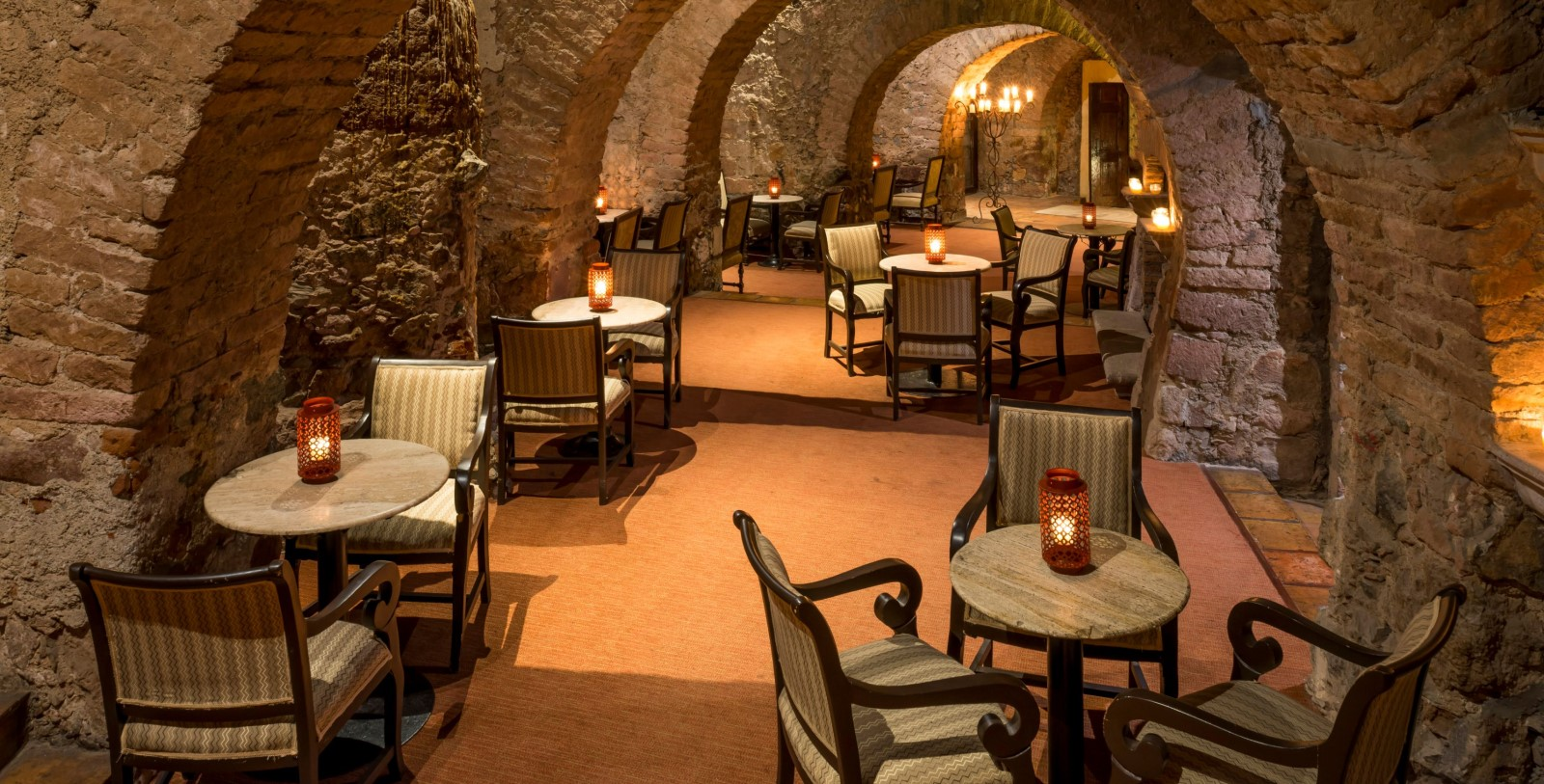 Image Of Bar Botarel Quinta Real Zacatecas Mexico