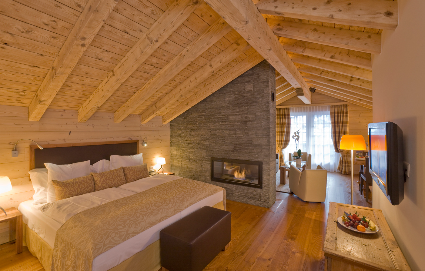 Accommodations:      Grand Hotel Zermatterhof  in Zermatt